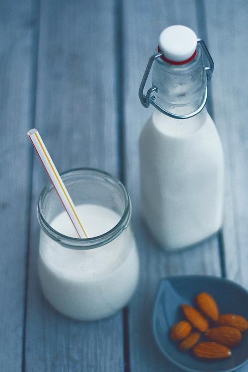 almond_milk02